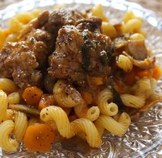 Veal Marengo with Cookeo - Cookéo - Beef Recipes Lunch Recipes, Meat Recipes, Healthy Dinner Recipes, Vegetarian Recipes, Enchiladas, Recipe For 4 People, Sin Gluten, Party Food And Drinks, Dinner Salads