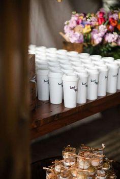 84400d8e690f No podrás decorar tu boda sin estos increíbles detalles Pin Up. ¡Hay más de