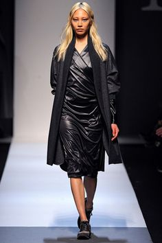 Max Mara Fall 2013 Ready-to-Wear Collection Slideshow on Style.com