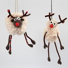 Pom-Pom Reindeer with Silk Clay and Pipe Cleaners with Beads - Creative ideas Crafts For Teens To Make, Christmas Crafts For Kids, Diy Christmas Ornaments, Felt Christmas, Craft Stick Crafts, Crafts To Sell, Holiday Crafts, Diy And Crafts, Christmas Decorations