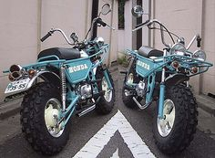 Honda Zoomer, teal and cream knobbly tires. Vespa, Scooter Motorcycle, Women Motorcycle, Motorcycle Helmets, Honda Scooters, Honda Bikes, Motor Scooters, Mini Motorbike, Mini Bike