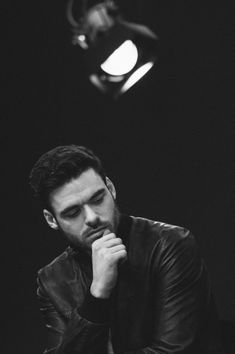 Richard Madden Photos Photos - IMAGE HAS BEEN PROCESSED WITH DIGITAL FILTERS) Richard Madden attends a special meet the film makers presentation at Apple Store, Regent Street on March 20, 2015 in London, England. - Alternative Views - March 2015