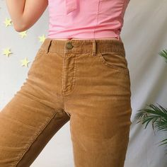 Lovely dark golden light brown vintage cord Chaps trousers💕💛 In a flattering low rise style, with slim legs and plenty of pockets💛 Perfect to pair with a. Corduroy Pants, Khaki Pants, Jean Outfits, Cool Outfits, Brown Pants Outfit, Brown Jeans, Slim Legs, Vintage Outfits, Dark