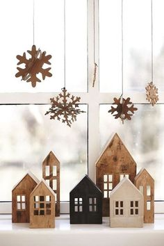 100 Indoor Minimalist Christmas Decorations » Lady Decluttered Noel Christmas, Rustic Christmas, Christmas Crafts, Christmas Island, Christmas Ideas, Christmas Design, Christmas Movies, White Christmas, Christmas Mantles