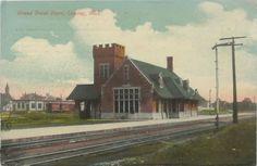 https://flic.kr/p/dWWyYw | SE Lansing MI 1915 GTWRR Grand Trunk Western DEPOT RAILROAD Station Yard and Freight Docks Line to Port Huron through Flint Lansing & on to Valparaiso Indiana