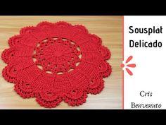 Sousplat Delicado - Cris Benvenuto - YouTube Crochet Kitchen, Crochet Home, Crochet Dolls, Crochet Mandala, Crochet Videos, T Shirt Yarn, Doilies, Pattern Design, Coasters