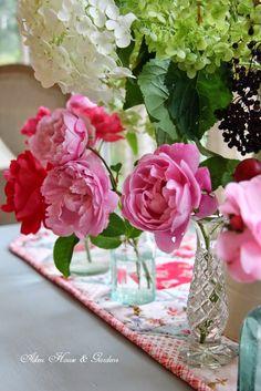 Aiken House & Gardens: The Charm of Flowers