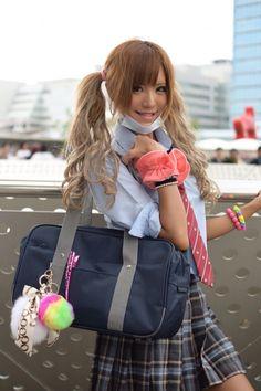 Joshi kousei Gyaru (high school Gyaru) Gyaru Fashion, Harajuku Fashion, Cute Fashion, School Girl Outfit, Girl Outfits, Cute Outfits, Kawaii, Pigtail Hairstyles, Japanese School Uniform