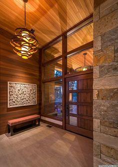 Warm modernism takes center stage in Martis Camp retreat Mountain Home Exterior, Modern Mountain Home, Mountain Homes, Modern Lodge, Modern Rustic, Custom Home Builders, Custom Homes, Door Design, Design Design