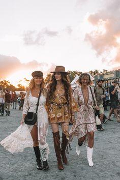 Floral Cover Up - Coachella Estilo Cowgirl, Estilo Hippy, Looks Hippie, Hippie Style, Boho Style, Boho Chic, Music Festival Outfits, Festival Wear, Boho Festival Fashion