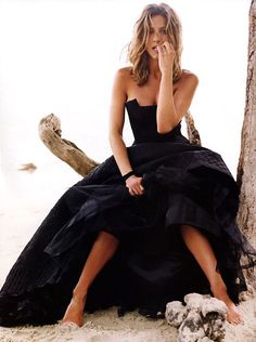 Jennifer Aniston formal at the beach want to do one of these photo shoots one day :)