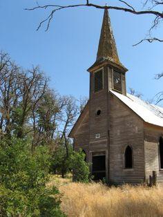 Abandoned in Locust Grove, Oregon.
