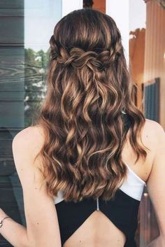 Braided Hairstyles for Spring Easy, Messy and Sleek Braids ★ See mor. - Summer Hairstyles - Braided Hairstyles for Spring Easy, Messy and Sleek Braids ★ See mor…, - Easy Summer Hairstyles, Diy Hairstyles, Gorgeous Hairstyles, Hairstyle Ideas, Hairstyles For Picture Day, Curly Hairstyles For Prom, Hairstyles For Graduation, Natural Hairstyles, Braid And Curls Hairstyles