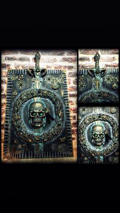Halloween Wall Decor, Wood Canvas, Gothic Art, Painting Techniques, Painted Furniture, Vintage Antiques, Decoupage, Retro Vintage, Stencils