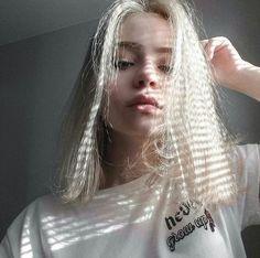 WEBSTA @ litputazs - What colour is your hair? Makeup Tumblr, Dye My Hair, Bad Girl Aesthetic, Grunge Hair, Tumblr Girls, Belle Photo, Pretty Hairstyles, Pretty Face, Pretty People