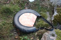 Recycled inner tube bag from rosenborgsmykker.dk