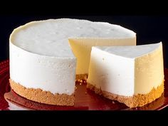 Mai pufos decat norii si e gata in doar 10 minute. Un cheesecake de neuitat. Yogurt Recipes, Baking Recipes, Cake Recipes, Dessert Recipes, Torte Cake, Pie Cake, No Bake Cake, Food Cakes, Kenwood Cooking