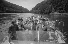 Kinder auf Motorboot, 16.7.1974.