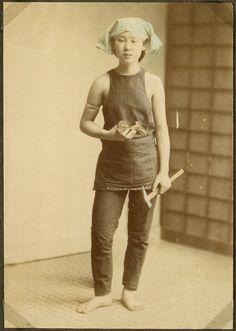 Working woman, Japan, late 19c.--National Museum of Denmark. Strikingly modern-looking dress.