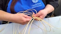 We learn how to start a basket, what kinds of materials to use and how to prepare them.
