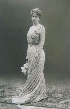 Princess Marie -future Queen of Romania Queen Mary, King Queen, Vintage Photography, Fashion Photography, Maud Of Wales, Romanian Royal Family, Alexandra Feodorovna, Royal King, 1900s Fashion