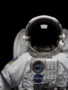 The inactivity of astronauts during spaceflights presents a significant risk to their muscles, says a new study. Scientists have simulated the impact of spaceflights on the body, and the impact of low gravity environments such as the moon or Mars. Astronaut Tattoo, Astronaut Helmet, Astronaut Illustration, Astronaut Wallpaper, Space Artwork, Nasa Astronauts, Space And Astronomy, Backrounds, Space Travel