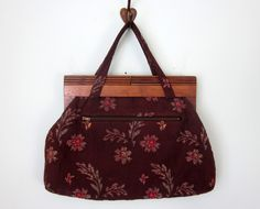tapestry bag / wooden handle fabric floral purse.