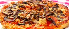 Recept Pizza se žampiony a česnekem Macaroni And Cheese, Pizza, Meat, Chicken, Ethnic Recipes, Food, Mac And Cheese, Essen, Meals