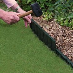 Bosmere Flexi Edge Lawn Edging can be shaped to any curve and simply slots into place. It keeps your lawn edges neat and tidy without the need to trim them. Balcony Garden, Lawn And Garden, Garden Tools, Plastic Lawn Edging, Metal Landscape Edging, Yard Edging, Edging Ideas, Border Ideas, Pergola Pictures