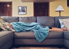 How dangerous is snoring? Is snoring the sign of a major health problem? How can you treat snoring? Find out how I cured my snoring. Snoring Remedies, Home Remedies, Flu Remedies, Homeopathic Remedies, How To Stop Snoring, Parenting Memes, Parenting Advice, Bad Parenting, Foster Parenting