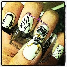 TAPE MAN!!! Music Nail Art :)