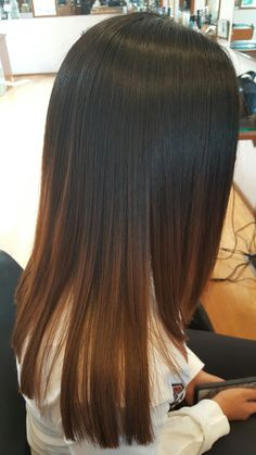 Hair Tail Fork Care Tips - Page 2 of 21 - Dazhimen Brown Hair Balayage, Hair Color Balayage, Hair Highlights, Ombre Hair, Auburn Highlights, Caramel Highlights, Bayalage, Haircuts For Long Hair Straight, Front Hair Styles