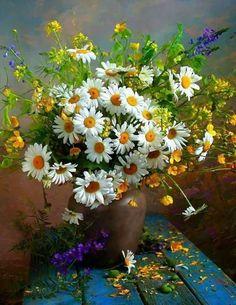 Vibrant still life painting. Flowers Nature, My Flower, Flower Vases, Flower Art, Flower Power, Beautiful Flowers, Beautiful Flower Arrangements, Floral Arrangements, Daisy Love