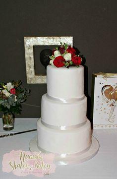 Cake Decorations Noosa : 1000+ images about Wedding Cakes on Pinterest Brisbane ...
