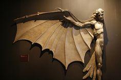 theta-sigma:Statue based on Leonardo daVinci's famous concept for artificial wings