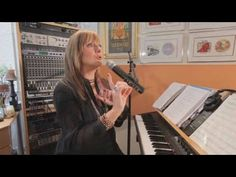 ▶ How to Avoid Strain | Vocal Lessons - YouTube