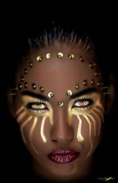 by Carlos Santero Model: Claudia Coba Sanchez H&M: Make up Artist Francis… Maquillage Halloween, Halloween Face Makeup, Halloween Halloween, Fantasy Make Up, Fantasy Art, Fantasy Warrior, Black Women Art, Art Women, African Beauty