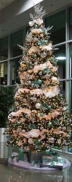 Albero di Natale 2014 con decorazioni argentate e turchesi - The house of blog