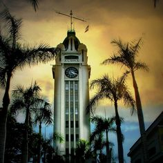 four twenty p.m......sliding in to sunday by pineapрle, via Flickr  Aloha Tower