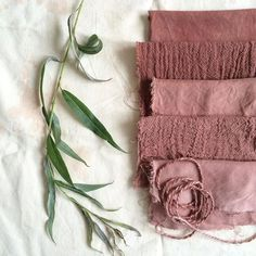 really surprising pink/plum colour from willow leaves 🌿 I just wasn't expecting this colour at all! The leaves were heated in water in an How To Dye Fabric, Fabric Art, Fabric Crafts, Cotton Crafts, Silk Fabric, Textile Dyeing, Art Textile, Dyeing Fabric, Dyeing Yarn