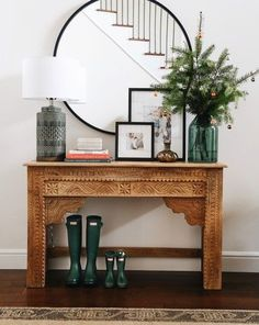 Beautiful Entry Table Decor Ideas to give some inspiration on updating your house or adding fresh and new furniture and decoration. Design Entrée, House Design, Interior Design, Cosy Interior, Modern Interior, Design Trends, Design Ideas, Living Room Interior, Living Room Decor