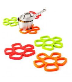 Colourful Flower Trivet, they are magnetic, so once you don't need it, it goes on your fridge! @HomeMyGosh.com €10.50