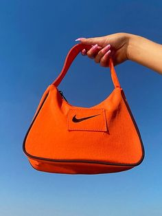 Aesthetic Bags, Orange Aesthetic, Aesthetic Clothes, Fashion Bags, Fashion Accessories, Estilo Indie, Accessoires Iphone, Nike Bags, Accesorios Casual