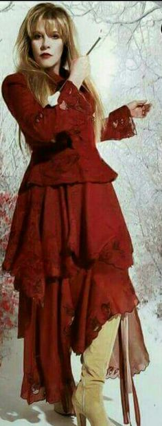 Lady in Red..love this photo❤❤ Stevie Nicks best dressed woman in Rock N Roll