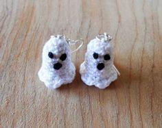 Free Crochet Pattern: The Cutest Ghost Earrings Ever! ~ Crochet Cauldron