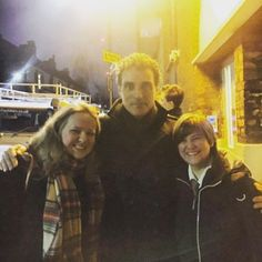 The ARTist himself. The man that inspires and instills a 'Serge' of God treatment...Rufus Sewell. Great to see you again Ru' #RufusSewell. Does seem every time we see you it's a chilly one! But your art as always has me appreciating!! #art #oldvic #lordm #adhemar #obergruppenführersmith #maninthehighcastle #aknightstale #fave #favourite #actor #stagedoor #stagey