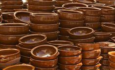 Recetas Caseras Fáciles MG: Como curar cazuelas de barro Candle Holders, Mugs, Tableware, Homemade Recipe, Wood Furnace, Casseroles, Health Tips, Barbell, Hacks