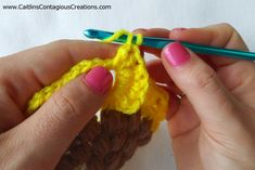 Crocodile Stitch Sunflower Square Crochet Pattern - Caitlin's Contagious Creations Crochet Flower Squares, Crochet Sunflower, Crochet Flower Patterns, Afghan Crochet Patterns, Crochet Doilies, Crochet Flowers, Crochet Hats, Giant Sunflower, Thread Crochet