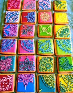 The website for these Mehndi-inspired cookies is no longer active. But its photo is inspiring. Do the Mehndi with white or black icing and you'll have yourself some beautiful lace decorated cookies for a wedding or Halloween or Valentine's day event. Galletas Cookies, Cupcake Cookies, Sugar Cookies, Iced Cookies, Fancy Cookies, Rose Cookies, Making Cookies, Orange Cookies, Cookie Cakes