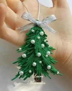 *The world of quilling has members. This is a group to share our love of quilling art and share your quilling projects with everyone! Paper Quilling Patterns, Quilling Paper Craft, Quilling Craft, Paper Crafts, Quilling Comb, Neli Quilling, Diy Paper, Diy Quilling Christmas, Holiday Crafts